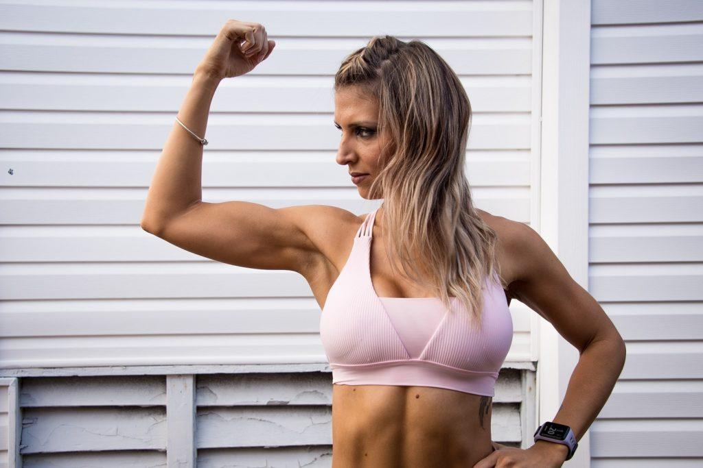 Biceps Curls mit dem Sling Trainer 1